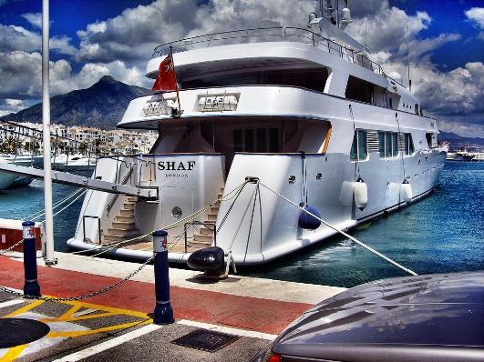 yacht-puerto-banus
