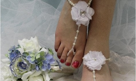 bf27-white-flower-barefoot-sandals_1024x1024