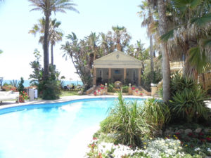 Villa 2 outside pool 3